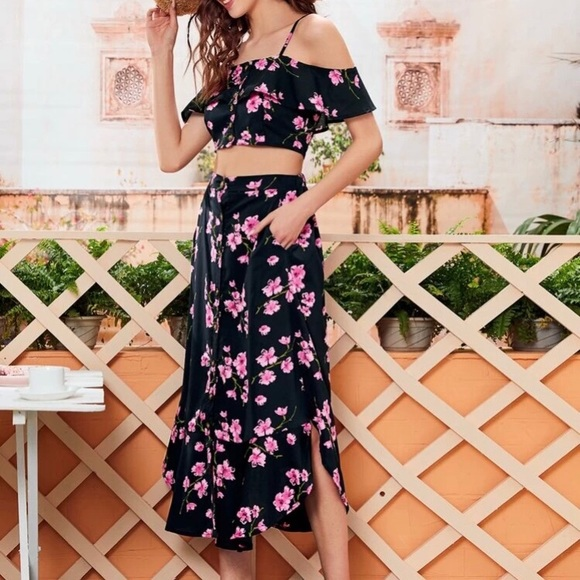 Brand new 2 piece floral skirt set